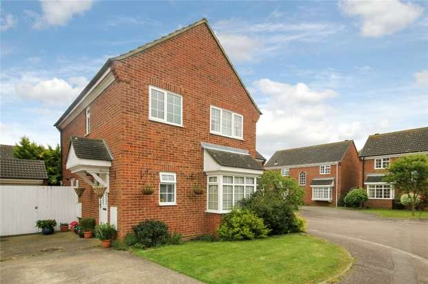 4 Bedrooms Detached House for sale in Sherbourne Way, Bedford