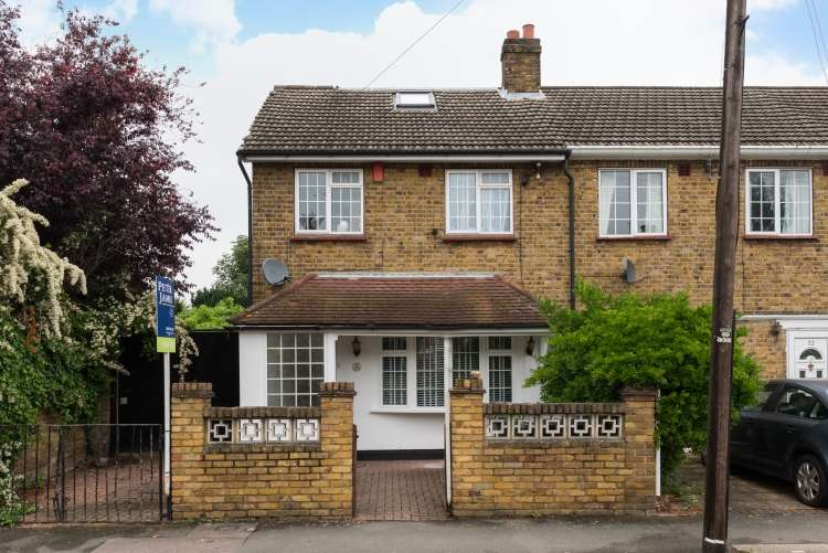 4 Bedrooms Semi Detached House for sale in Braxfield Road London SE4