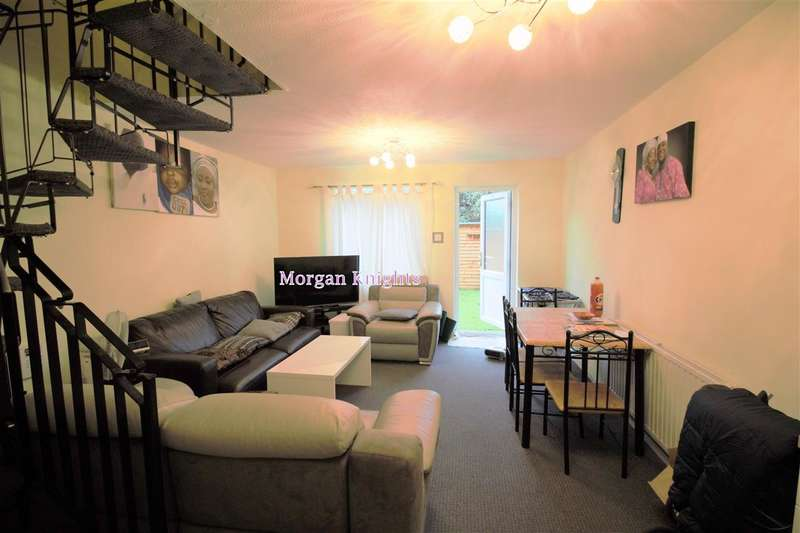 2 Bedrooms Terraced House for sale in Lindwood Close, Beckton, E6