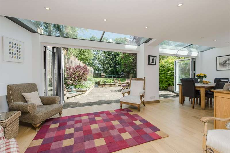5 Bedrooms Detached House for sale in Combemartin Road, Southfields, London, SW18