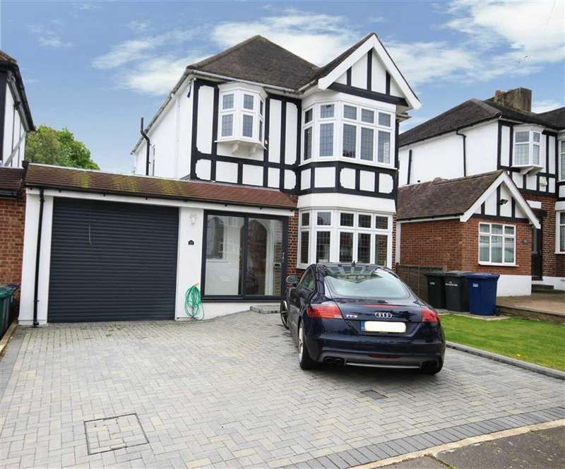 3 Bedrooms Detached House for sale in Holyrood Road, New Barnet, Hertfordshire