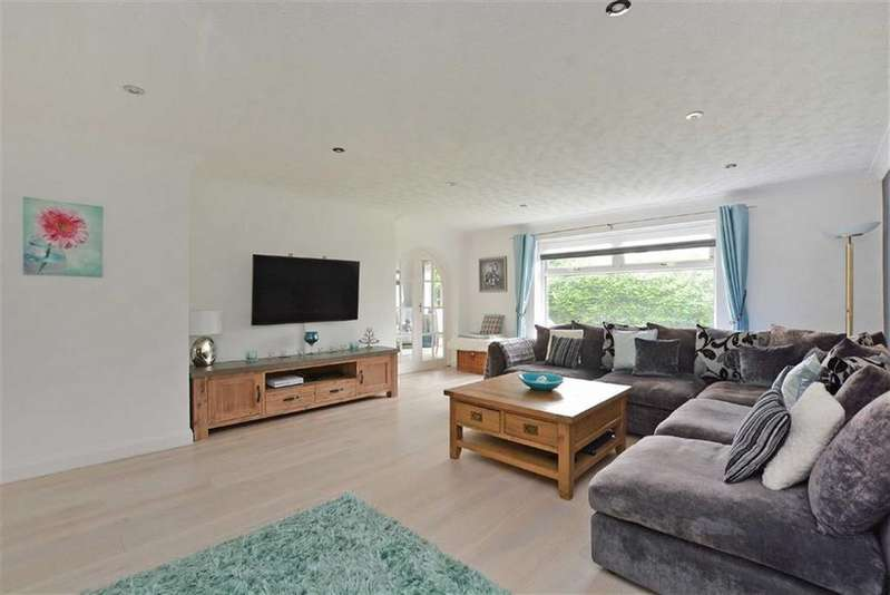 4 Bedrooms Detached House for sale in 8, Cavendish Rise, Dronfield, Derbyshire, S18