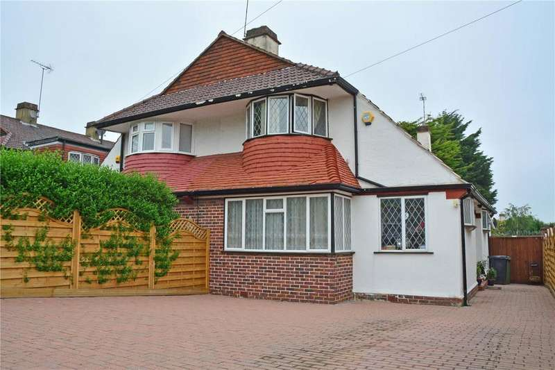 3 Bedrooms Semi Detached House for sale in Burnt Ash Hill, London, SE12