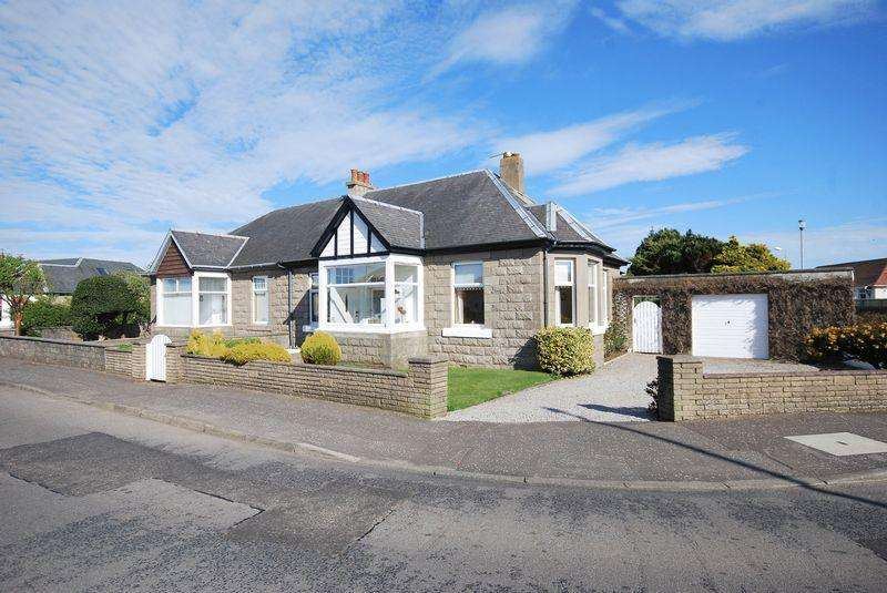 3 Bedrooms Semi Detached Bungalow for sale in 133 Adamton Road South, Prestwick, KA9 2DP