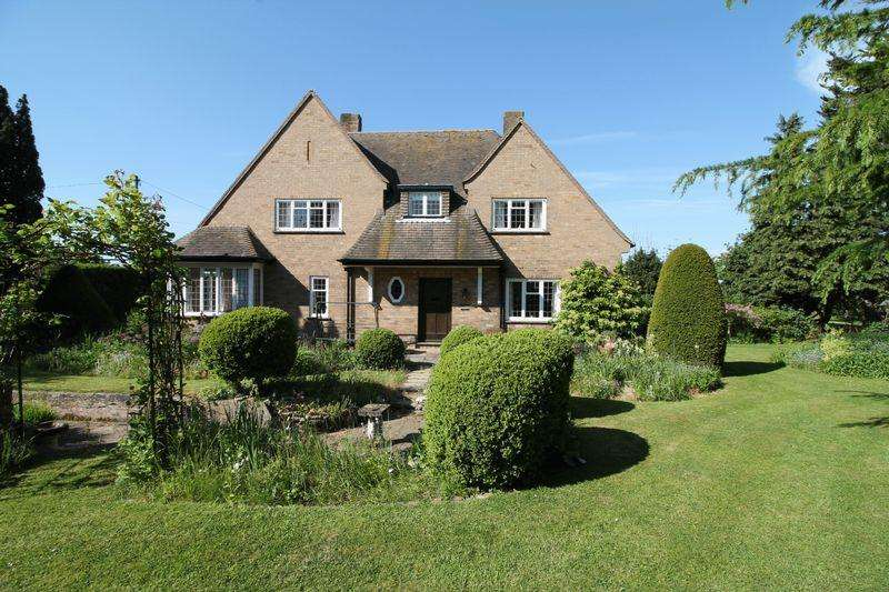 4 Bedrooms Detached House for sale in Main Road, Quadring