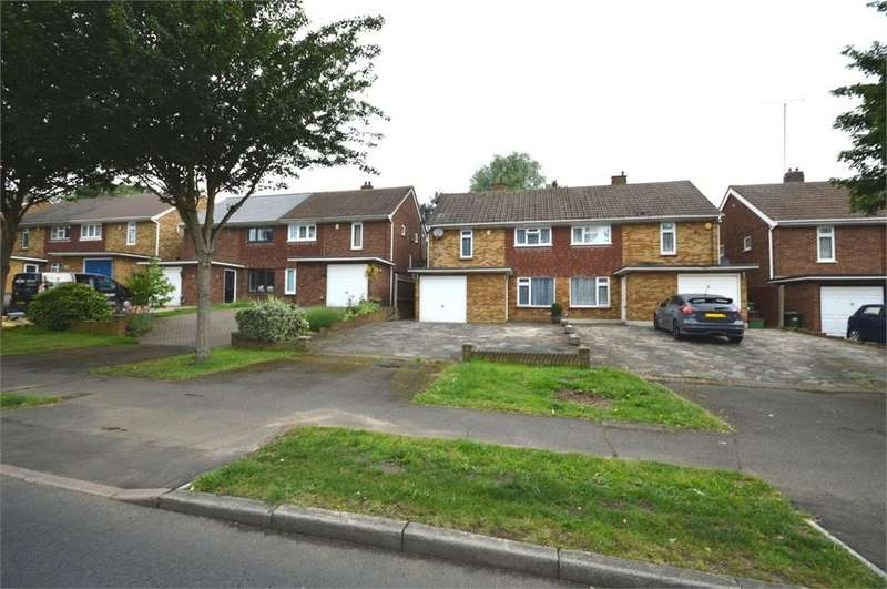 3 Bedrooms Semi Detached House for sale in Avenue Road, Erith