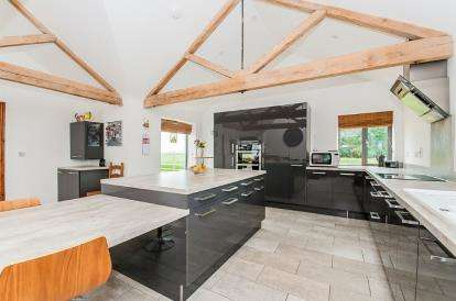4 Bedrooms Barn Conversion Character Property for sale in Dairy Drove, Thorney, Peterborough, Cambridgeshire