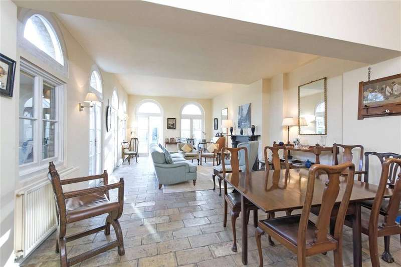 3 Bedrooms Terraced House for sale in Wandle Road, London, SW17