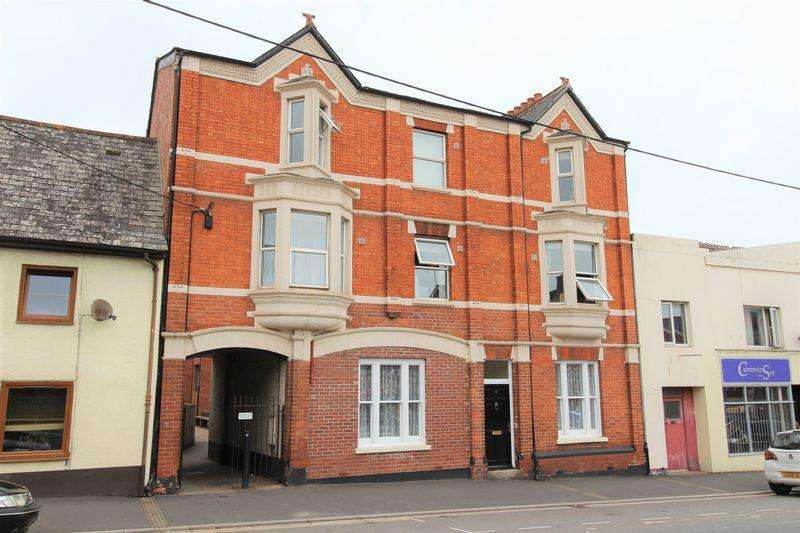 2 Bedrooms Ground Flat for sale in East Street, Crediton