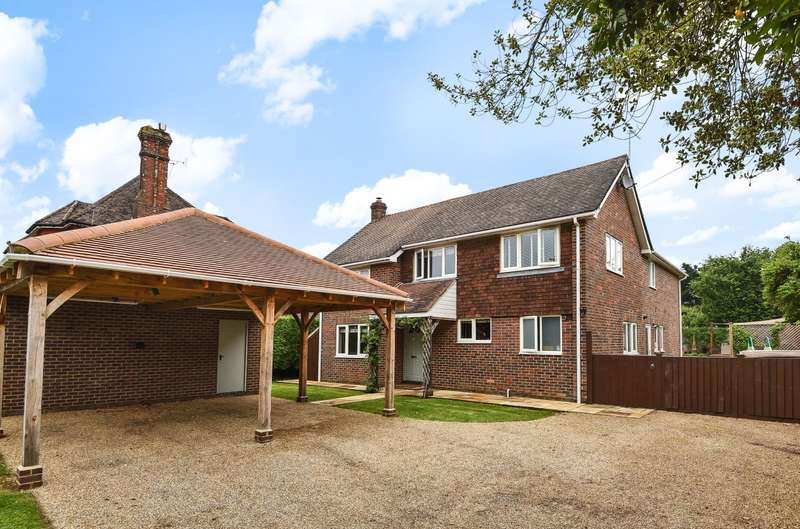 6 Bedrooms Detached House for sale in Vanzell Road, Easebourne, Midhurst, GU29