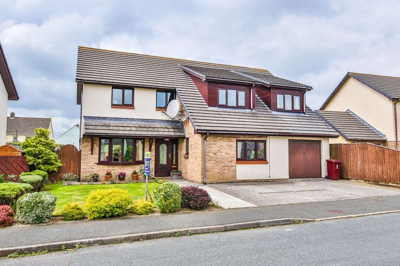 5 Bedrooms Detached House for sale in Heritage Park, Haverfordwest, Pembrokeshire, SA61