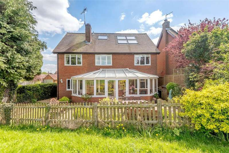 5 Bedrooms Detached House for sale in Adams Close, North Warnborough, Hook, Hampshire