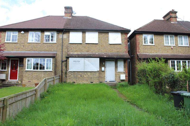 4 Bedrooms Semi Detached House for sale in London Road, High Wycombe