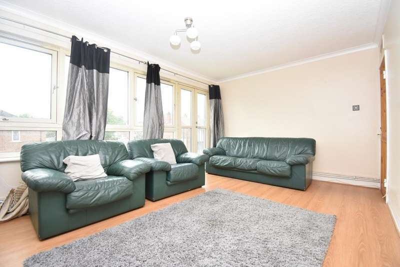2 Bedrooms Flat for sale in Glyndon Road London SE18