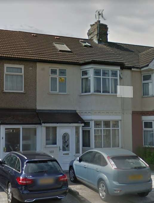 5 Bedrooms Terraced House for sale in Romford RM7
