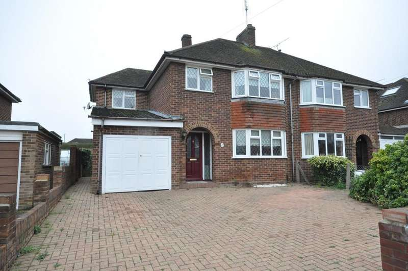 3 Bedrooms Semi Detached House for sale in Selsdon Avenue, Woodley, Reading, RG5 4PG