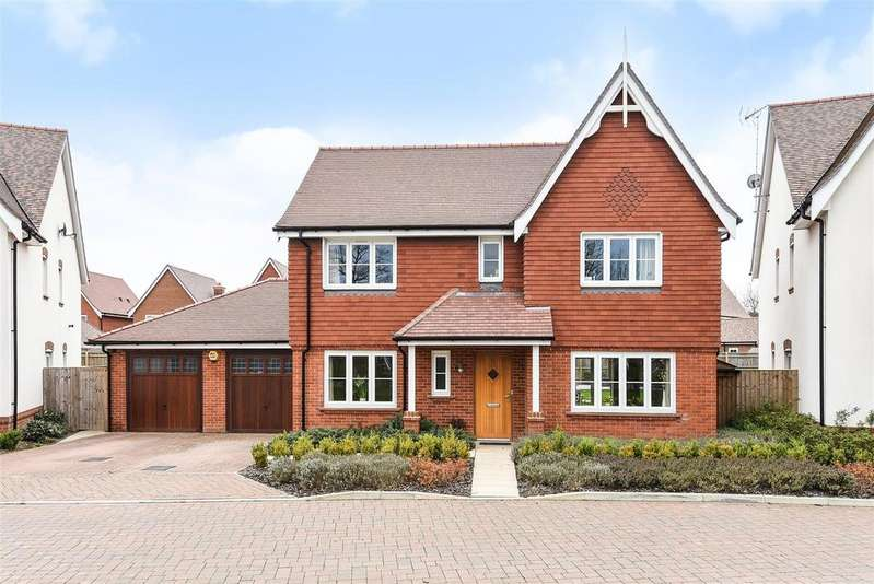 4 Bedrooms Detached House for sale in Braybrooke Crescent, Wokingham, Berkshire RG40 5AD