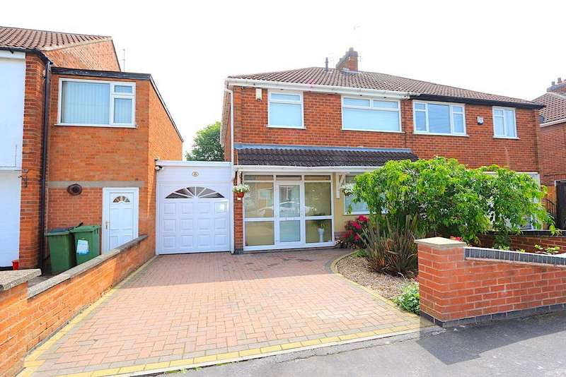 3 Bedrooms Detached House for sale in South Avenue, Leicester Forest East