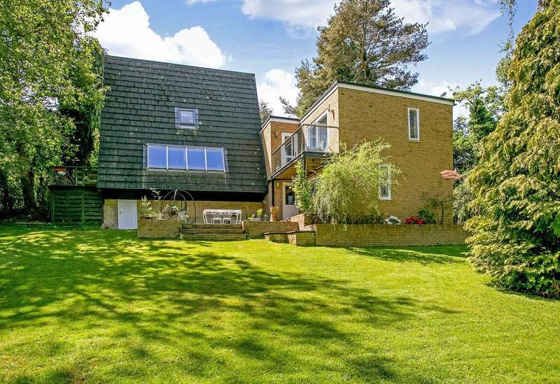 4 Bedrooms Detached House for sale in Hampden Hill, Beaconsfield, HP9