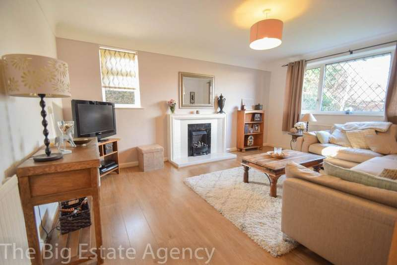 3 Bedrooms Bungalow for sale in Greenside, Mold, CH7