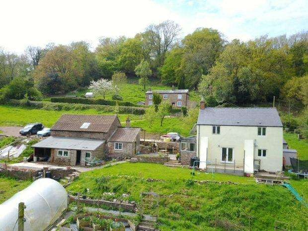 3 Bedrooms Detached House for sale in Brains Green, Blakeney