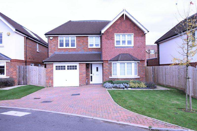 4 Bedrooms Detached House for sale in Waller Way, Chesham