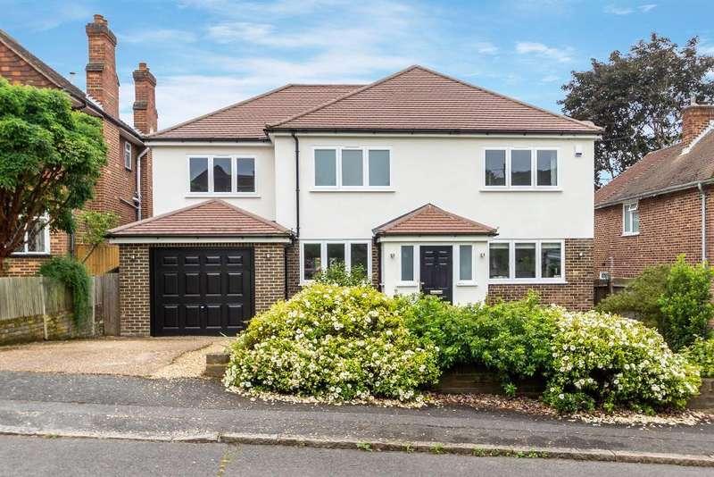 4 Bedrooms Detached House for sale in Sandhurst Close, Sanderstead, South Croydon, Surrey, CR2 0AD