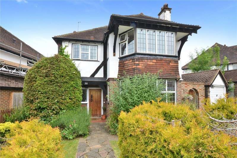 4 Bedrooms Detached House for sale in Anne Boleyns Walk, Cheam, Sutton, SM3