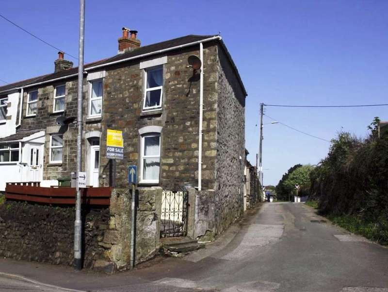 2 Bedrooms End Of Terrace House for sale in Blowinghouse Hill, Redruth, TR15