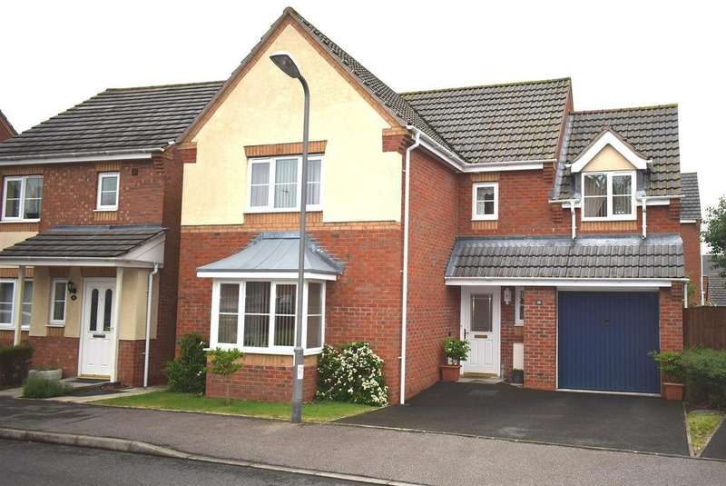 4 Bedrooms Detached House for sale in Clover Way, Bedworth