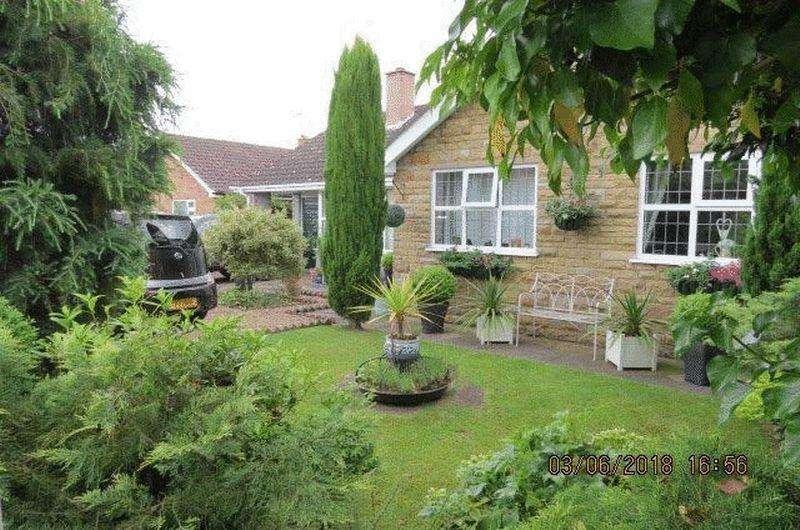 3 Bedrooms Bungalow for sale in Highgate, Helpringham