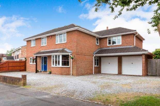 5 Bedrooms Detached House for sale in Oakley, Basingstoke, Hampshire