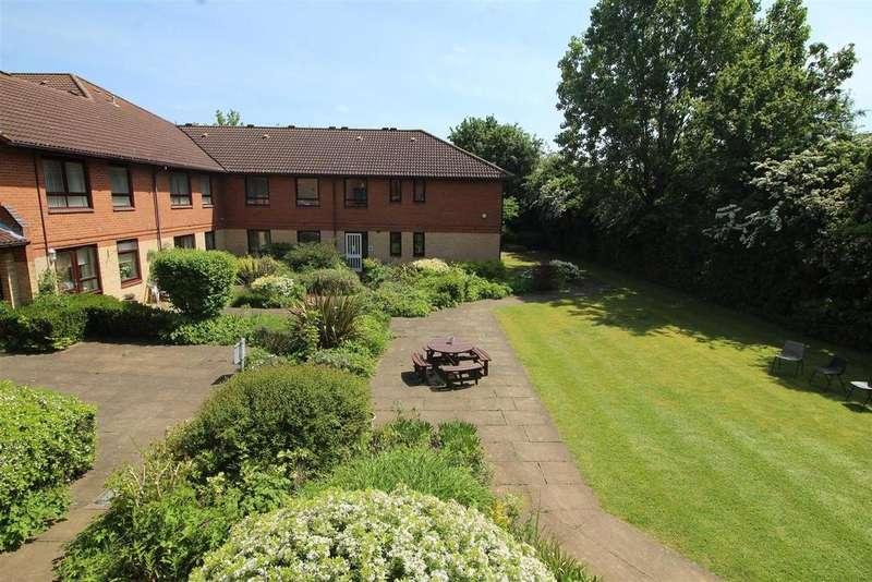 1 Bedroom Flat for sale in Eastfield Road, Peterborough