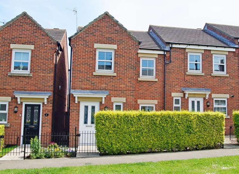 3 Bedrooms Semi Detached House for sale in Kings Avenue, Langley Park