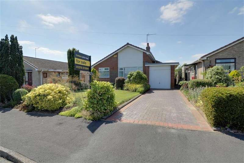 3 Bedrooms Detached Bungalow for sale in Sundale Drive, Woolstanwood, Crewe