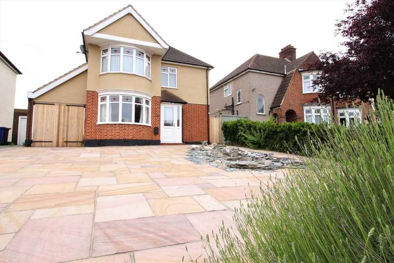 4 Bedrooms Detached House for sale in Woodview, Grays