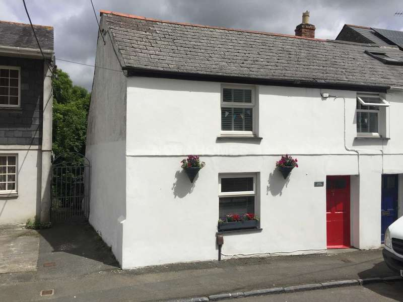 3 Bedrooms Semi Detached House for sale in Underwood Road, Plympton, PL7 1SZ