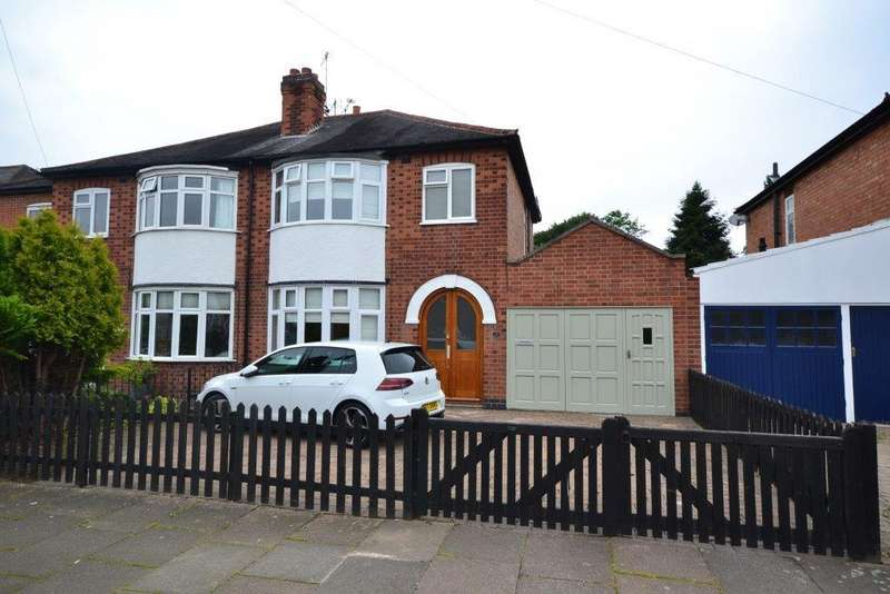 3 Bedrooms Semi Detached House for sale in Brinsmead Road, Leicester