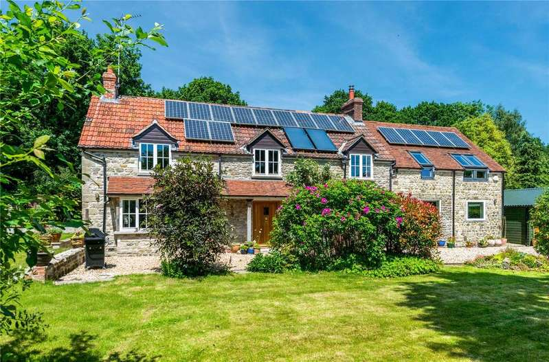4 Bedrooms Detached House for sale in Coombe Street, Pen Selwood, Nr Bruton, Somerset, BA9