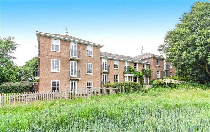 2 Bedrooms Ground Maisonette Flat for sale in Theydon Bower, Epping, Essex, CM16