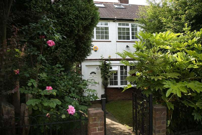 3 Bedrooms Semi Detached House for sale in Alexandra Road, Muswell Hill
