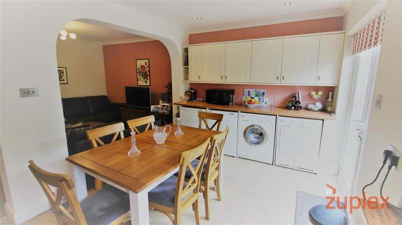 3 Bedrooms House for sale in Latymer Road, London
