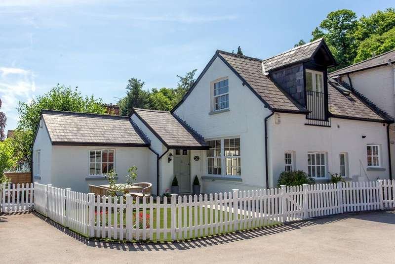 3 Bedrooms Semi Detached House for sale in Station Road, Sunningdale, Ascot