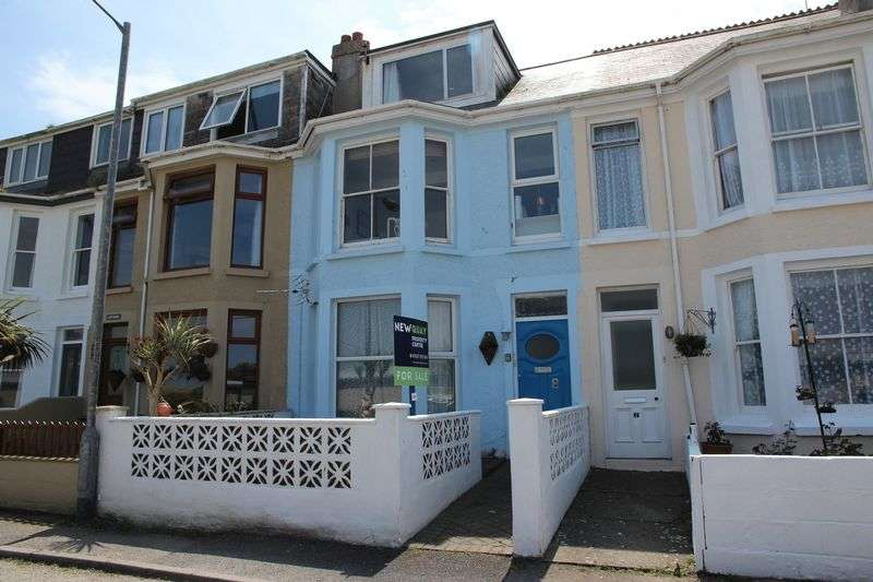 3 Bedrooms Property for sale in 8 Carclew Avenue, Newquay