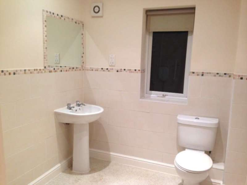 2 Bedrooms Apartment Flat for sale in Jenard Court, Holywell, CH8 7SL