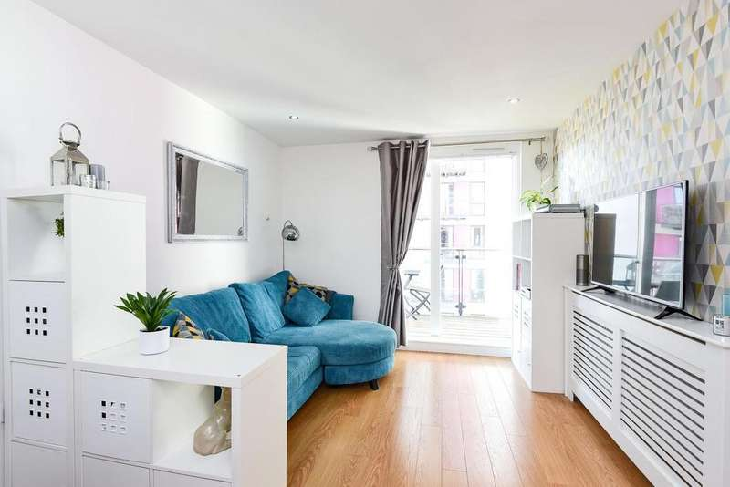 1 Bedroom Flat for sale in Conington Road, Lewisham