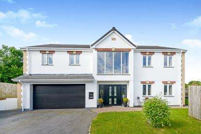 4 Bedrooms Detached House for sale in Wadebridge, Cornwall, England