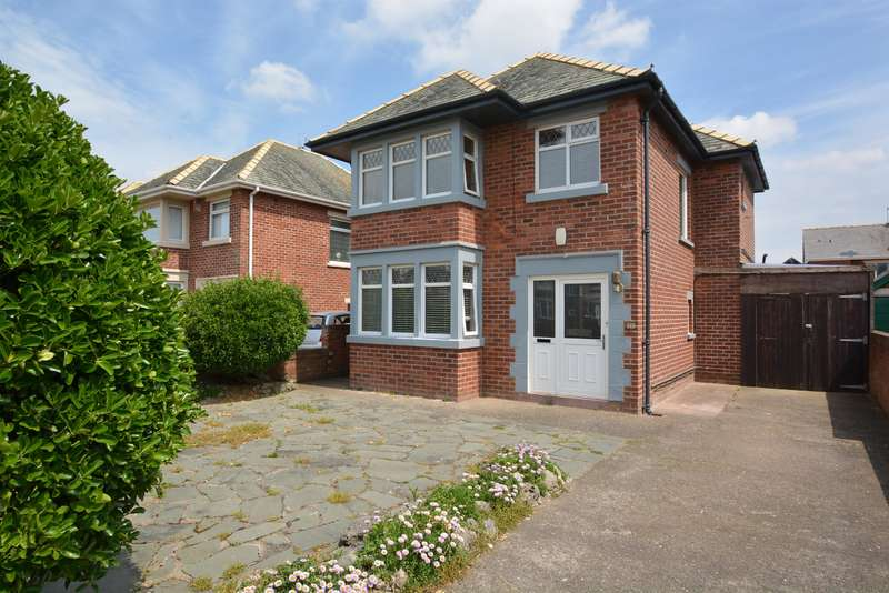3 Bedrooms Detached House for sale in Clifton Drive South, South Shore, Blackpool, FY4 1RT