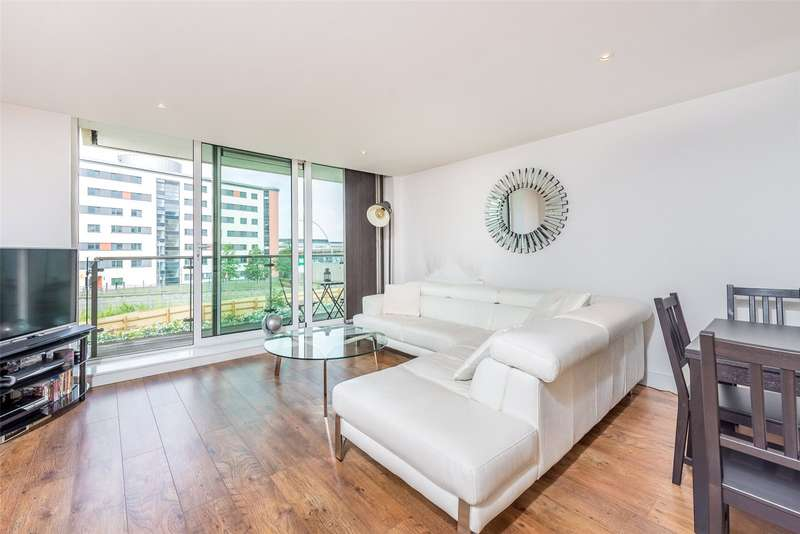 2 Bedrooms Apartment Flat for sale in Fathom Court, 2 Basin Approach, London, Gallions Reach, E16