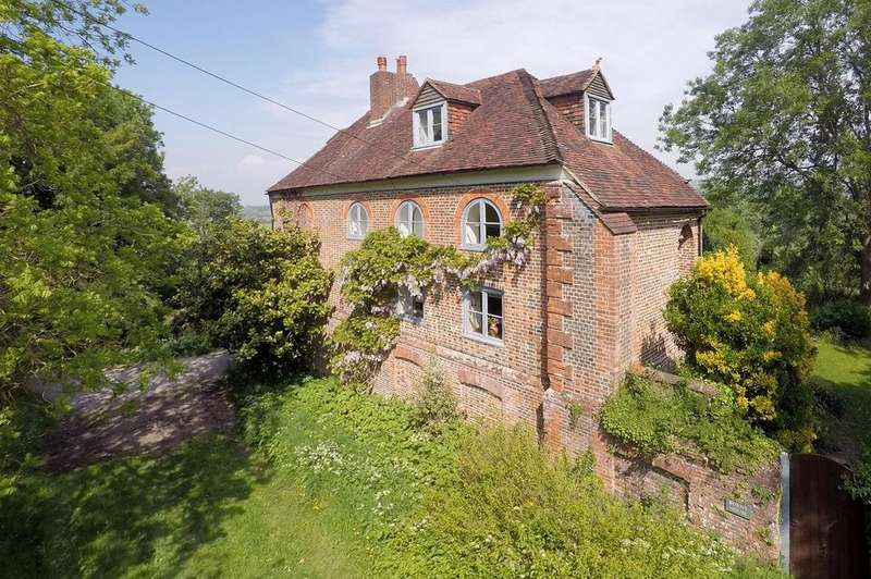 3 Bedrooms Detached House for sale in Dukes Green, Alfriston , BN26